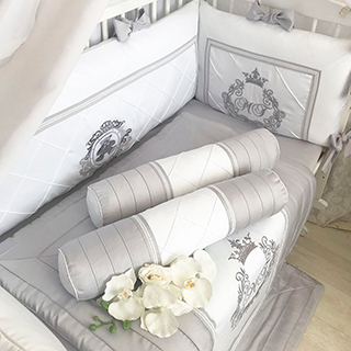 Interesting Tale | Crib Bedding Set